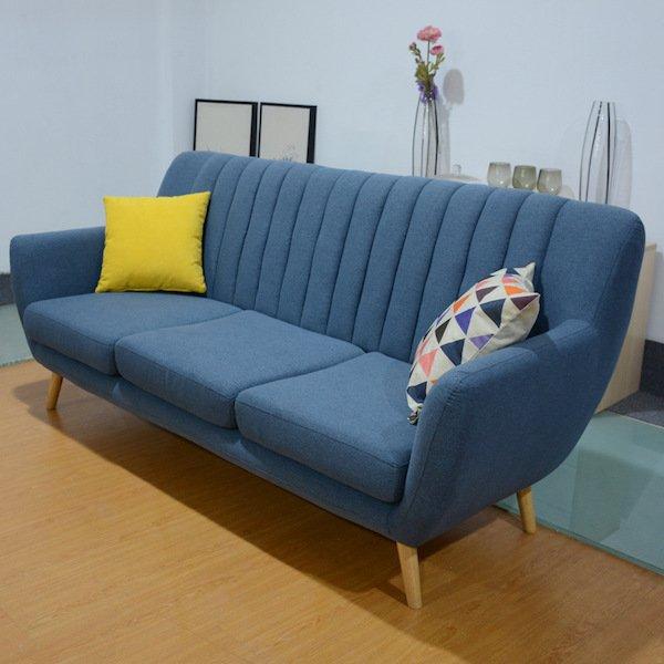 Sofa dài 1m2 chất liệu gỗ đệm