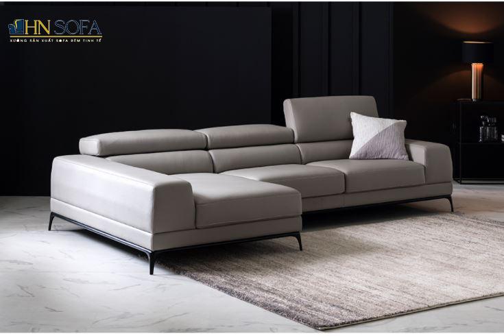 Lựa chọn tone màu trầm mang lại cho không gian phòng khách sự nhẹ nhàng và sang trọng
