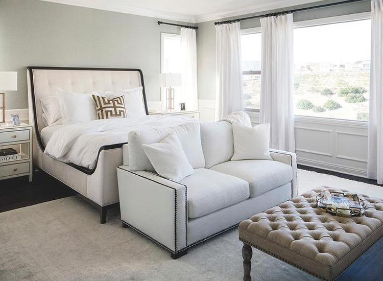 Đặt sofa lớn ở phòng ngủ Master