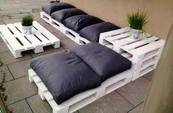 Mẫu sofa pallet hiện đại vô cùng đơn giản, cá tính