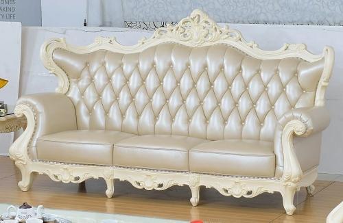 Mẫu 2: Sofa Châu Âu tân cổ điển trắng sữa thanh lịch