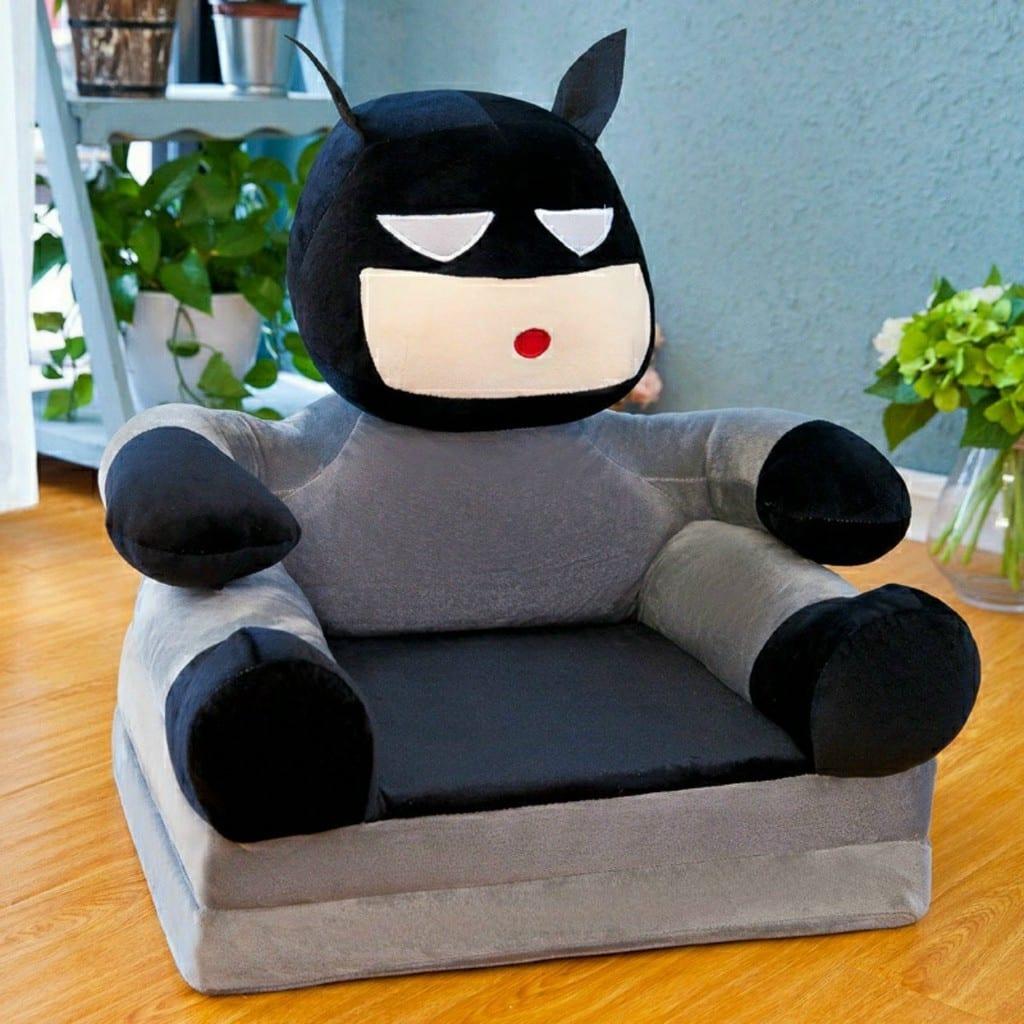Mẫu 10 - Mẫu sofa siêu nhân cho bé trai bọc nỉ ấm áp