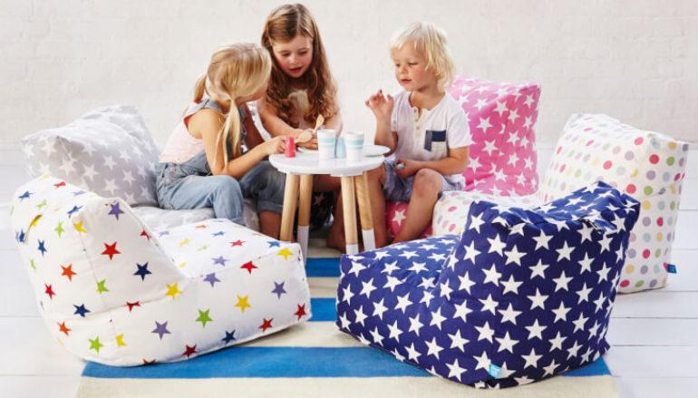 Mẫu 4 - Mẫu sofa không tay vịn cho bé ngồi học chơi