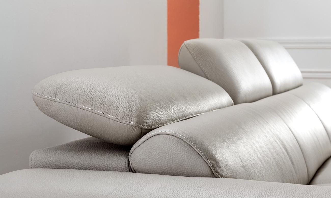 HNS62 có tay ghế thiết kế vát chéo độc đáo